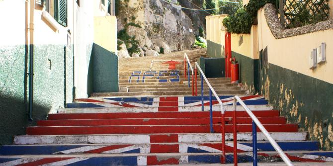 Gibraltar_©_Devil's_Gap_Road_Union_Jack_steps