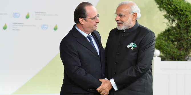 Prime_Minister_Narendra_Modi_with_French_President_Francois_Hollande_in_Paris_during_COP21