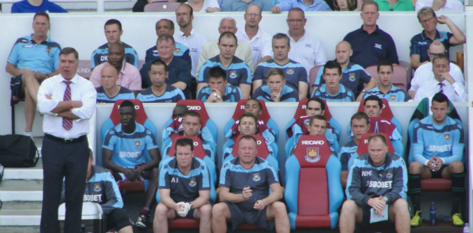 Sam_Allardyce_-_West_Ham_United_bench