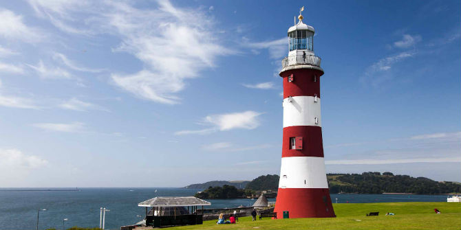 plymouth hoe lighthouse