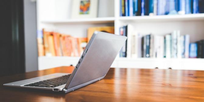 desk-laptop-working-technology