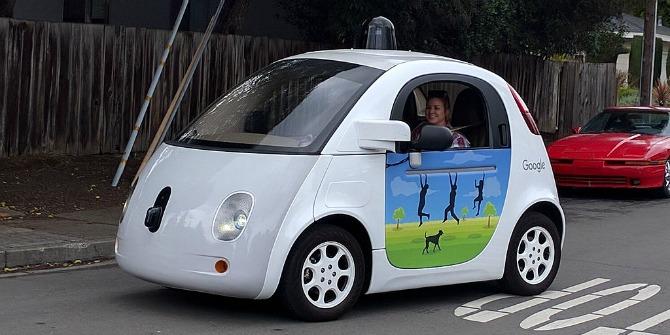 google_driverless_car_at_intersection-gk