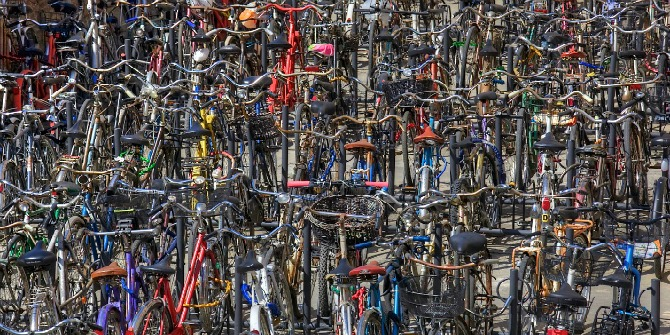 bike-parking-at-bologna-train-station