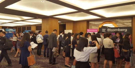 5 reasons to book a place at our 2018 Asia Careers Fairs