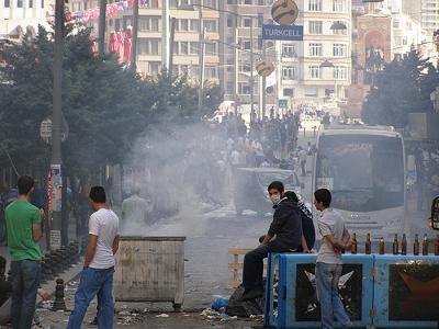 Barricade near Taksim Square Credit: resim77 (Creative Commons BY)