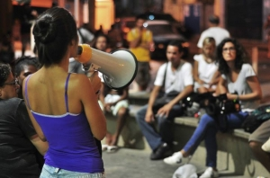 Youth-led plenary to debate local demands at Complexo do Alemão in March 2014. The plenary led to online debates and the writing of a manifesto. Photo: Ocupa Alemão.