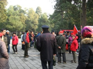 Due to their obvious revolutionary rhetoric, these large gatherings are attended by uniformed and plain-clothes policemen (4 December 2011; Photographed by Lisa Richaud)