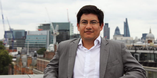 Portrait photo of Gustavo Bonifaz Moreno on the LSE NAB roof terrace.