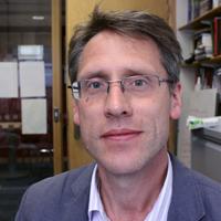 Portrait photo of Professor Martin Lodge