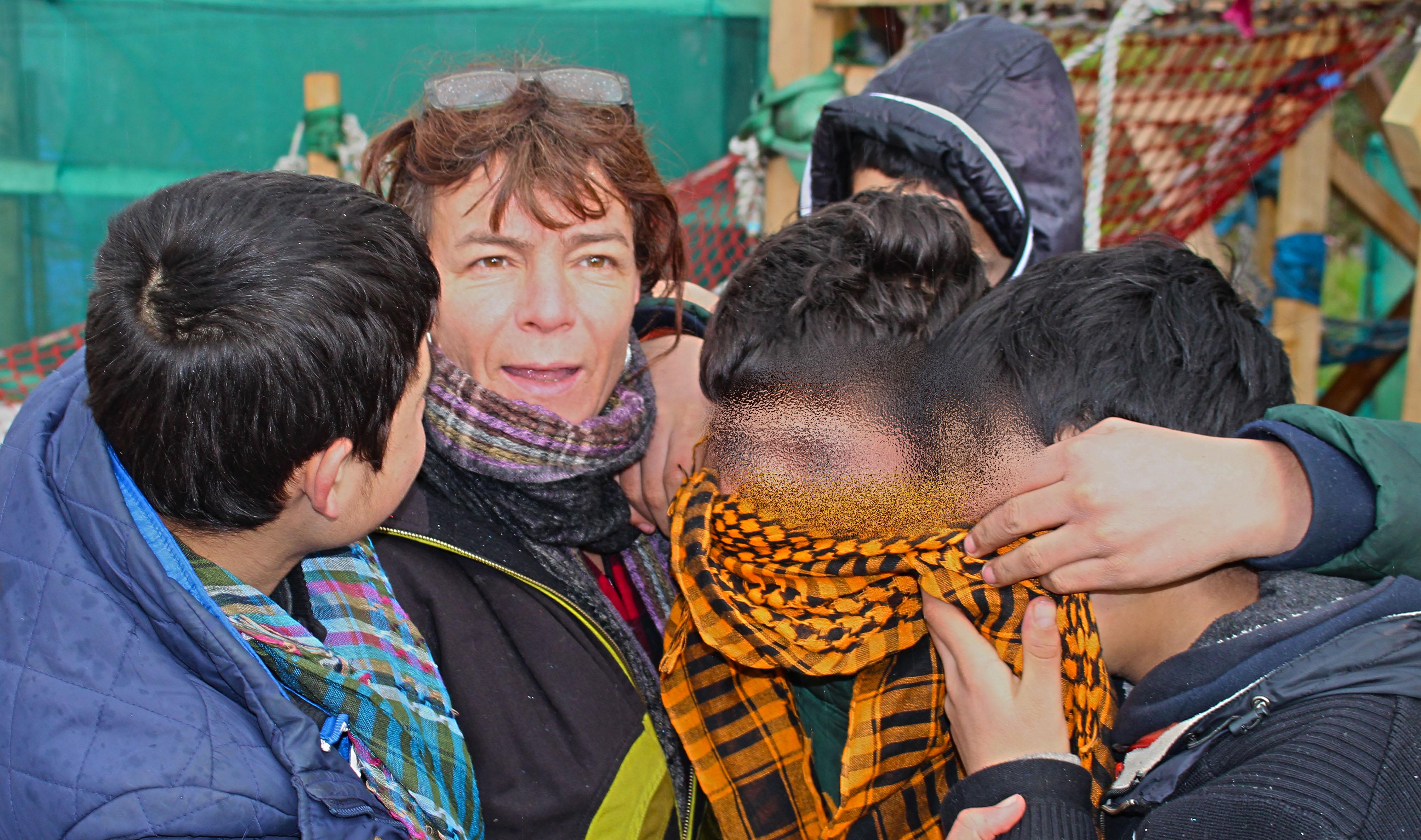 Liz and Children. Calais. February 2016, D. Sippel.