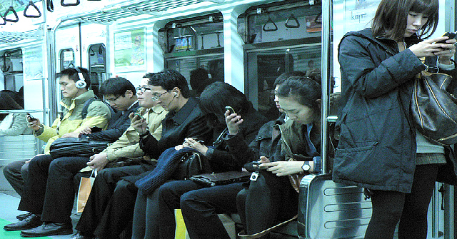 people-on-phones