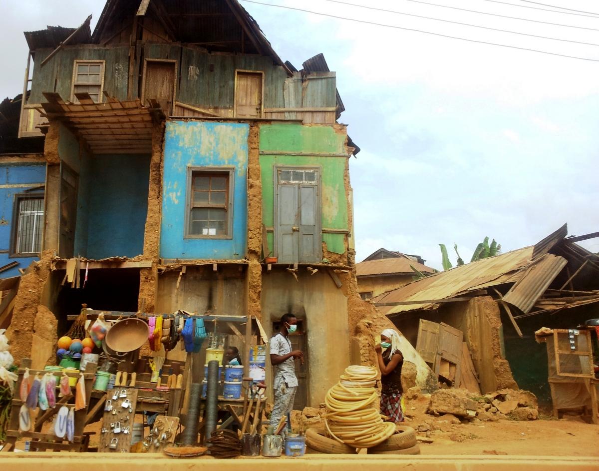 Portia Roelofs, Abeokuta: Development with a 'human face'?