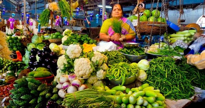 Shivaji Market (Image credit, Jonathan Goffe, via Flickr: https://www.flickr.com/photos/jonathangoffe/5369798751/)