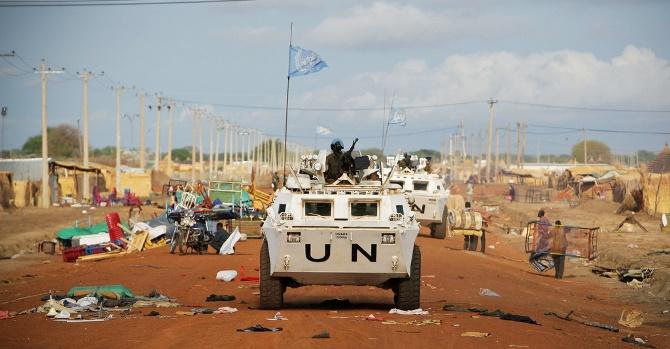 Peacekeepers from the United Nations Mission in Sudan (UNMIS)
