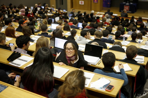 Students attending the Department of International Development public lecture by Sri Mulyani Indrawati - Crises and Revolutions: The Reshaping of International Development. Sheikh Zayed Theatre, LSE New Academic Building on ©2010 LSE/Nigel Stead, all rights reserved