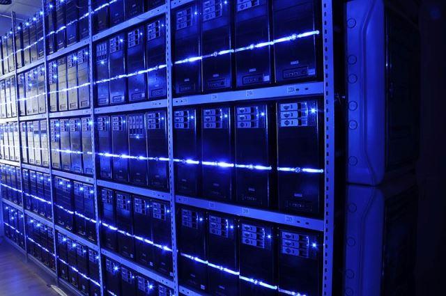 Server room of BalticServers (cc-by-sa 3.0)