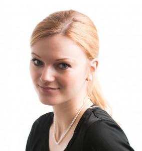 Dr Janina Dill