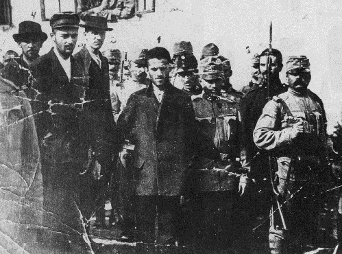 Čabrinović and Princip in chains before their sentencing