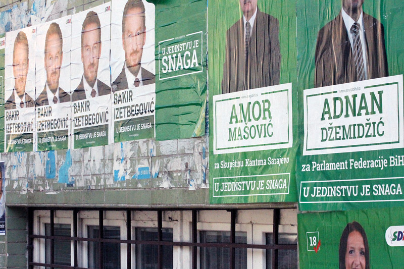 Bosnian cities had been flooded with electoral posters of numerous parties trying to get elected / photo: Jakub Krupa/LSEE