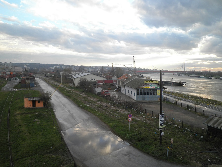The site along the Sava River that is destined for the Belgrade Waterfront development. Photo: Jorn Koelemaij