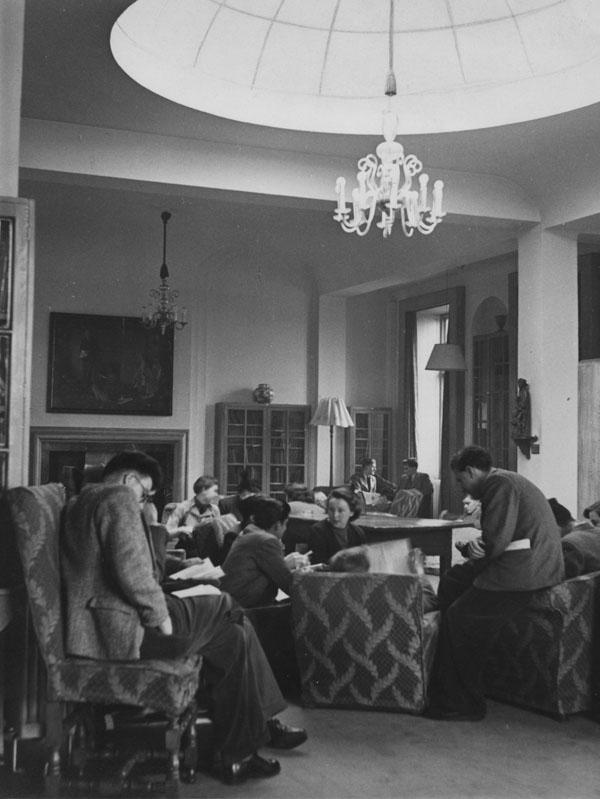 Students in the Founders' Room, 1951