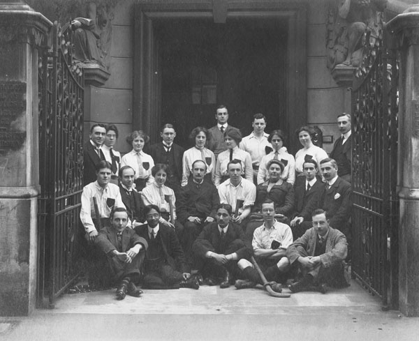 First LSE hockey team, 1911