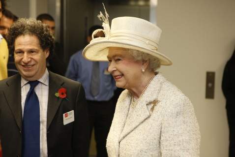 Description : Professor Saul Estrin with HRH Queen Elizabeth as she meets with students at the opening of the LSE New Academic Building (NAB) in Lincoln's Inn Fields on the 5th November 2008