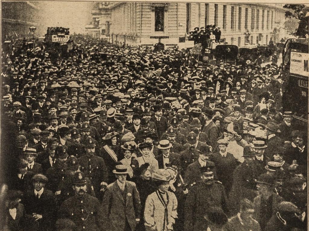 Emmeline Pankhurst leading the deputation to Parliament on 29 June 1909