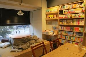 best-bookshops-fukuoka-tenro