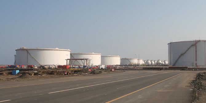 Petrochemical tanks in Sohar, Oman. © Ryan Lackey via Flickr.