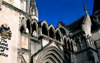 the-royal-courts-of-justice-1648944_1280-featured