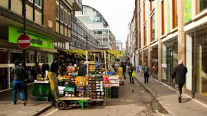 Privatisation of street food markets in London: curating markets and place