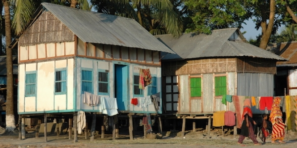 'Portable houses' on stilts in Mawa, Bangladesh are specially designed so that they can be moved quickly in the event of a storm
