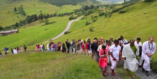 Why a relatively unknown guru movement is attracting Sri Lankan Tamils in Britain