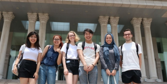 Documenting my student life in video blogs: The LSE-Fudan Exchange Programme