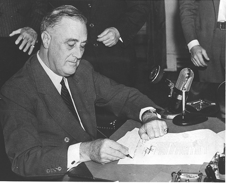 President Roosevelt signing the Burke-Wadsworth Conscription Act. September 16, 1940. Credit: FDR Presidential Library & Museum (Creative Commons BY NC SA)