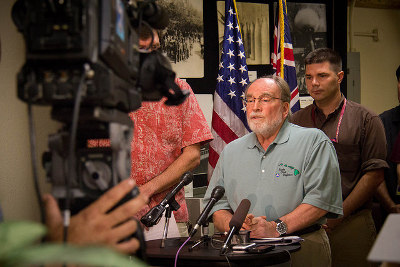 Governor Neil Abercrombie gives press update on Hurricane Iselle, August 8th, 2014 Credit: Governor Neil Abercrombie (Flickr, CC-BY-NC-SA-2.0)