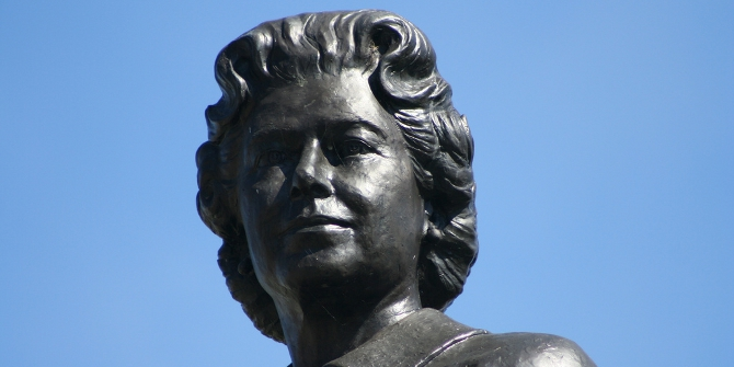 Statue of Queen Elizabeth II in Ottawa Credit: Douglas Sprott (Flickr, CC-BY-NC-2.0)