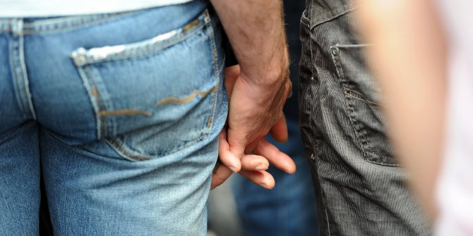 dating and showing affection in public