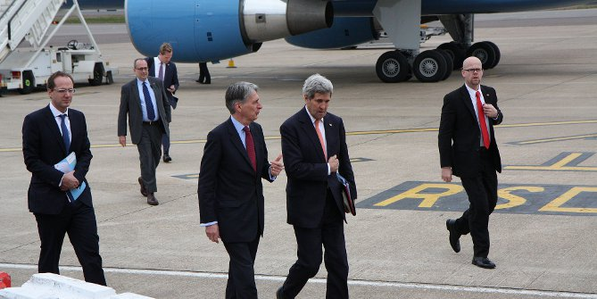 Discussions on nuclear negotiations with Iran  Foreign Secretary Philip Hammond with US Secretary of State John Kerry in London, 21 March 2015. Credit: UK Foreign and Commonwealth Office (Flickr, CC-BY-2.0)