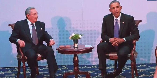 Cuban president Raúl Castro and US president Barack Obama meet in Panama on 11 April, 2015 Credit: Whitehouse.gov